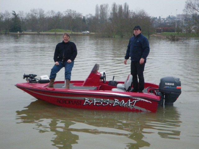 Bass boat france for Instinct bass boat
